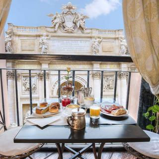 Hotel Fontana | Rome | The Trevi Fountain just restored